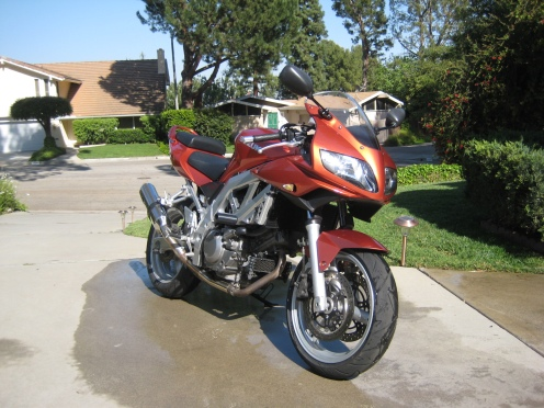 03 Suzuki SV650s after a good wash!