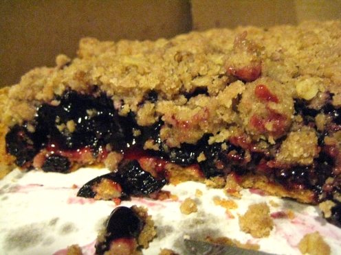 So much of that crumble.... soo good! Now to hit the treadmill :(
